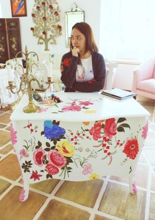 Already found my own work table. =P